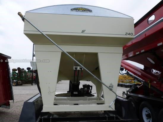"2007 Freisen 240, 240 Bu, 8"" Auger Diam, Belt Auger,Tarp, Scale Seed Tender For Sale"