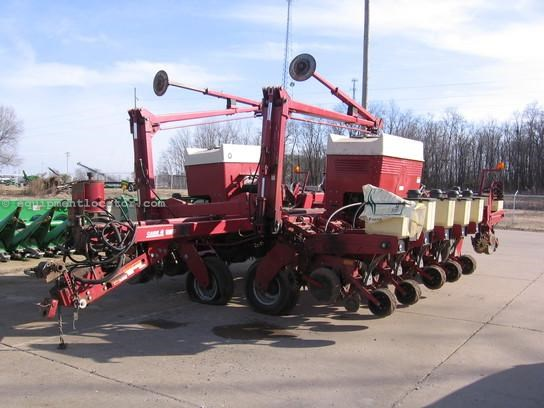 Case Ih 955 Planter For Sale At Equipmentlocator Com