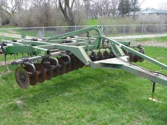 2001 John Deere 512,17Ft,7Shank,Cushion Gang, Hyd Depth Adj Disk Ripper For Sale
