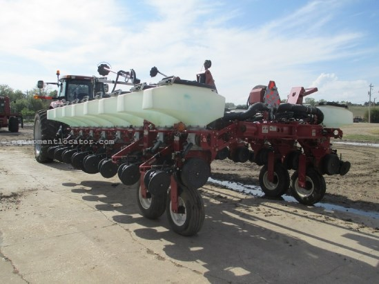 2003 White 8186, 16R30, Front Fold, 3 Pt Planter For Sale