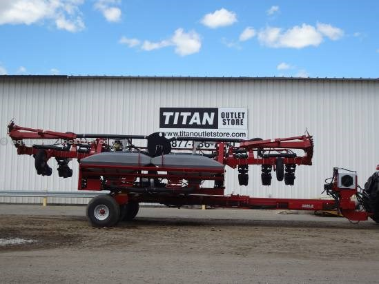 2008 Case IH 1200 - 12R30, Markers, Pivot Fold, Pro600 Planter For Sale
