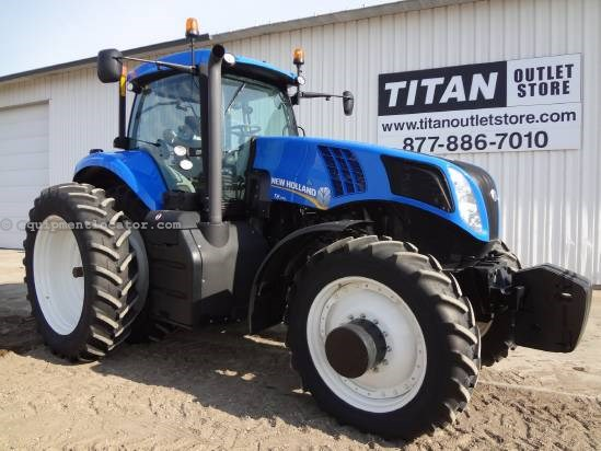 2011 New Holland T8330 - 180 hrs, Cab and Frt Suspension, Lux Cab Tractor For Sale