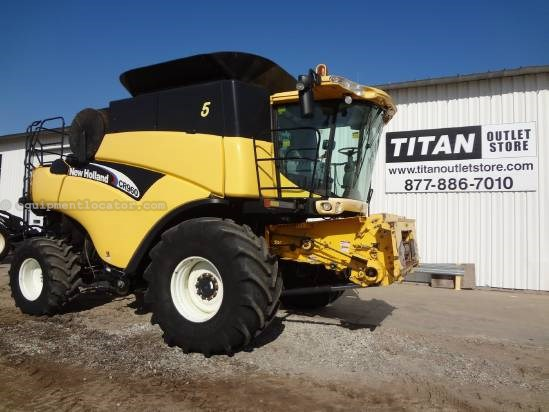 2005 New Holland CR960 - Sep Hrs 4404, RWA, Contour, Chopper  Combine For Sale
