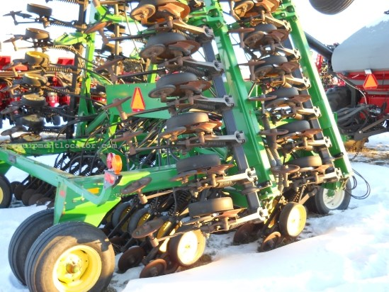"1997 John Deere 1850 - 42 ft, 7.5"" Spacing, No Till Air Drill For Sale"