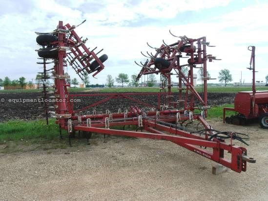 Wil-Rich 3400, 44Ft, 74 Shank, Tine Harrows, 5 Sec,Hyd Fold Field Cultivator For Sale