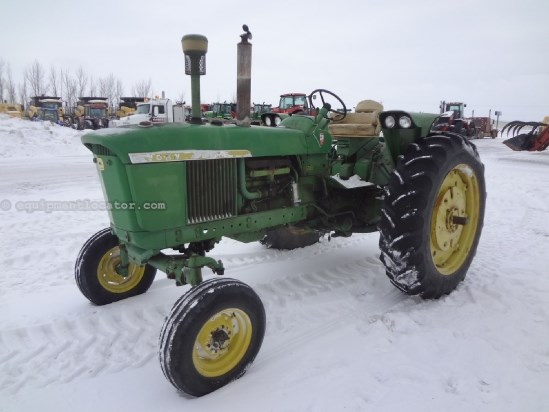 1967 John Deere 2510 - 4488 hrs, Synchro, 3pt, Gas Tractor For Sale