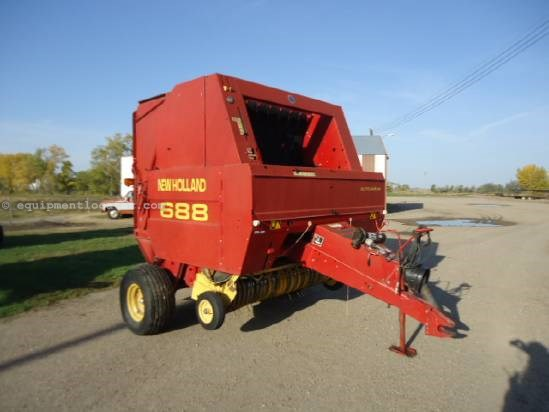 1999 New Holland 688 - AutoWrap, 1000 pto, Kicker, Hyd PU lift Baler For Sale