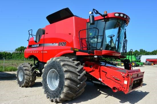 Combine For Sale:  2009 Case IH 8120, 947 Est Hours, 225000.00 USD