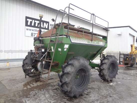 Concord 2300 - 2 tanks, Engine Driven Fan, Single Shoot Air Seeder: Air Sys For Sale