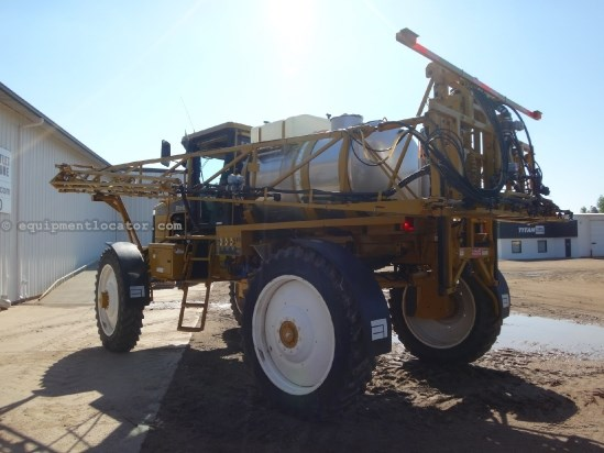 2004 Ag Chem 1064 - 2860 hrs, 90 ft, 1080 gal, Raven Sprayer-Self Propelled For Sale