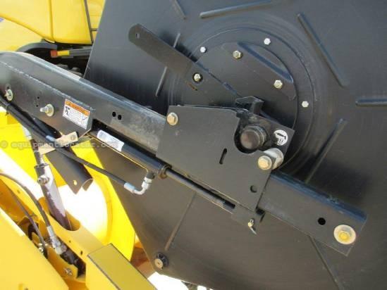 2009 New Holland 74C, 25', (CR9060/CR9070), HHC, Poly Skids Header-Flex For Sale