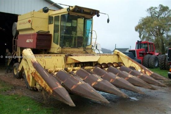 Combine For Sale:  New Holland TR70