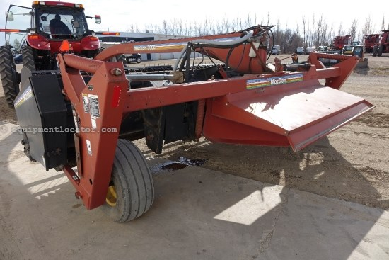 1998 MacDon 5000, 16 Ft, Center Pivot, Cond Rolls, Lift Cyl  Mower Conditioner For Sale