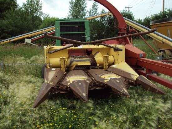 New Holland 900 - 3R30, Metal Detector, Hyd Chute  Forage Harvester For Sale