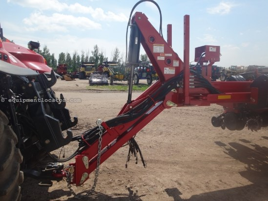 2012 Case IH 1250-24R30, 2670 acres, Liquid Fert Tank, Drawbar Planter For Sale