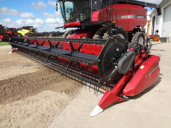 2008 Case IH 2020 - 35 ft, FT (7088,7010,8010,7120,8120) Header-Flex For Sale