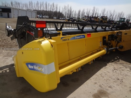 2011 New Holland 740CF -35Ft, Contour (CR9060,CR9065,CR9070,CR9080) Header-Flex For Sale