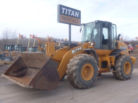 2012 Case 821F, 4.25 yd bkt, 3rd hyd valve, reversing fan Wheel Loader For Sale