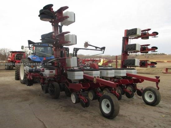 2006 White 8202, 12R30 or 23R15, Pull Behind, Rigid Toolbar Planter For Sale