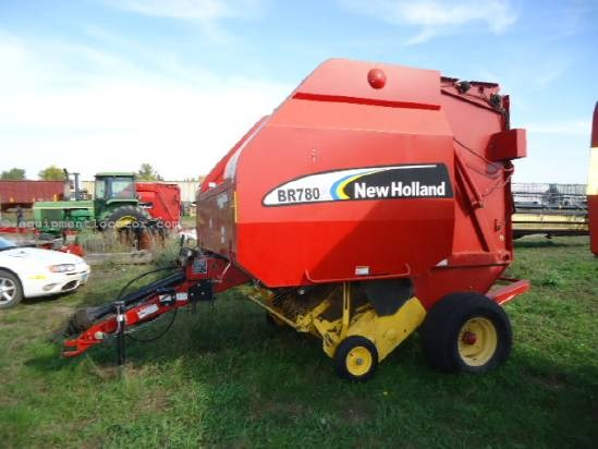 2006 New Holland BR780A - 5X6, 1000 pto, kicker, autowrap Baler For Sale