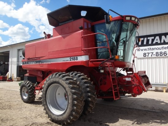 1995 Case IH 2188 - 3515 sep hrs, Duals, Hopper Ext, Long Auger Combine For Sale