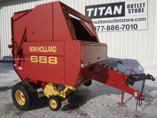 1999 New Holland 688 - 540 pto, Kicker, Hyd PU Baler For Sale