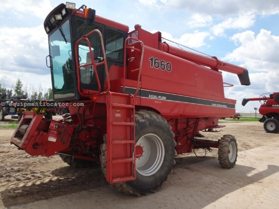 1989 Case IH 1660 - 4370 hrs, 24.5R32, Chaff Spreader Combine For Sale