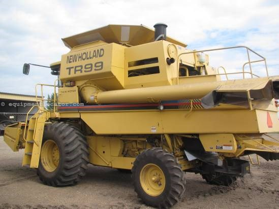 2000 New Holland TR99, 3026 Sep Hr, Rotary Thrash, Contour, AHH Combine For Sale