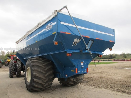2008 Kinze 1050,Tarp,20in Auger,1050 BU Grain Cart For Sale
