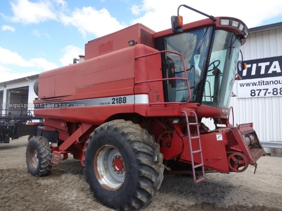 1997 Case IH 2188, AFS MONITOR, 2963 Sep Hrs, Chopper, Bin Ext. Combine For Sale