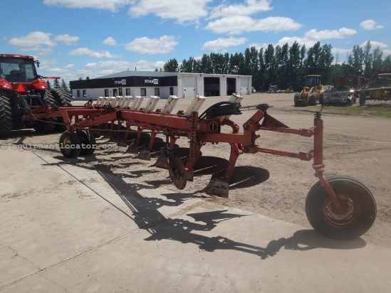 "Case IH 800 - 10 bottom, Spring Reset, 18"" Plow-Moldboard For Sale"