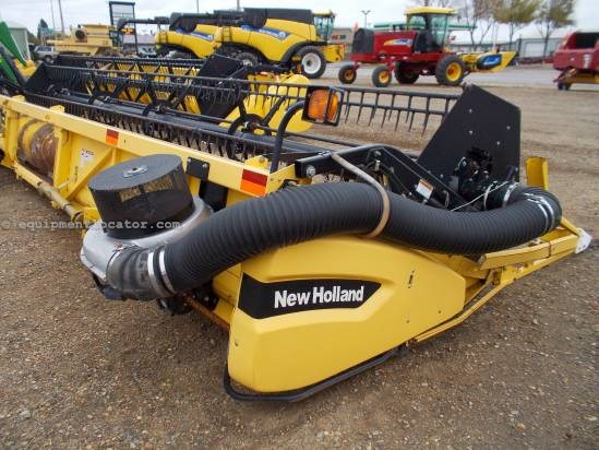 2005 New Holland 74C, 30', Contour, Crary Air Reel, Fore/Aft  Header-Flex For Sale