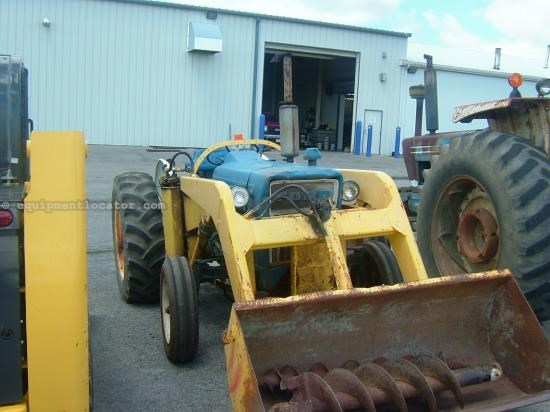 Tractor For Sale:  Ford 3000