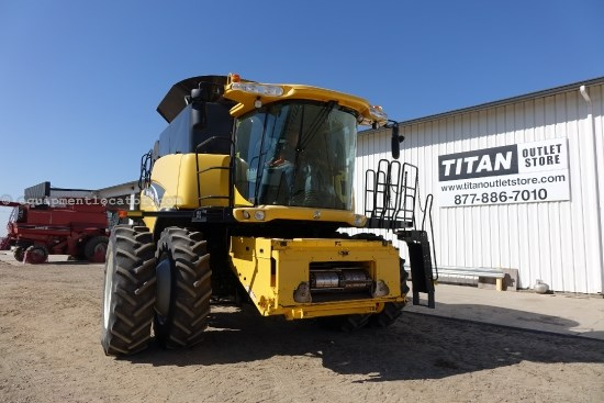 2005 New Holland CR960, 1075 Sep Hr, Contour, RT, Bin Ext, Dlx Cab Combine For Sale
