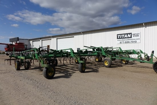 2009 John Deere 2210, 56', 3 Bar Harrow,Single PT Depth Control  Field Cultivator For Sale