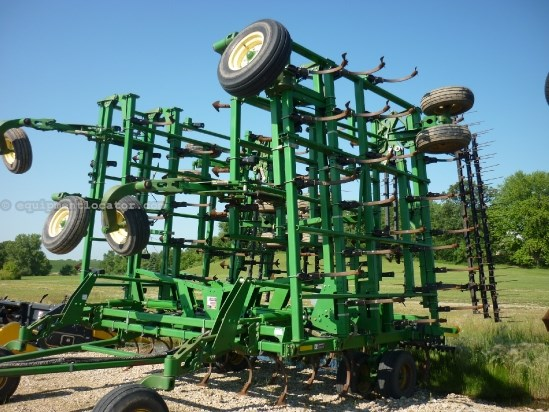 2005 John Deere 2210,57ft,5 sect,hyd fold,tine harrow Field Cultivator For Sale