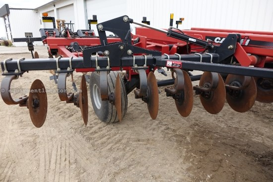 2007 Case IH 730C, 18Ft, 7 Shank,  Hyd Section Fold  Disk Ripper For Sale