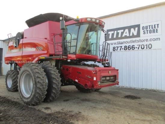 2010 Case IH 7120, 680 Sep Hr, RT, Deluxe Cab, HID Lights  Combine For Sale