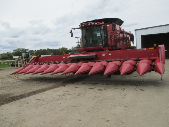 2011 Case IH 2612 ,12R30, Fits 7010/8010/7088/7120/8120/9120 Header-Corn For Sale