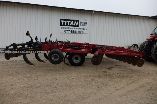 2002 Case IH 9300, 22', CUSHION GANG, 9 SHANK, HYD DISC DEPTH Disk Ripper For Sale