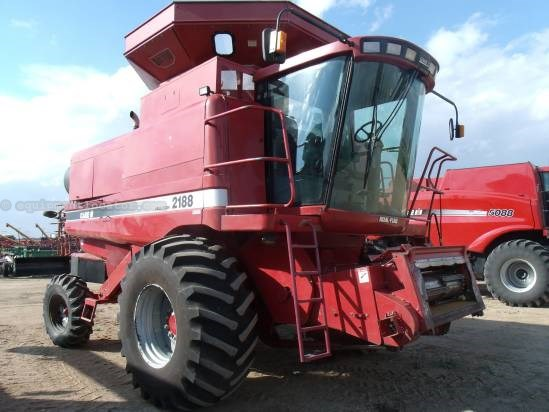 1996 Case IH 2188 Combine, 2296 Sep Hrs, Straw Chopper Combine For Sale