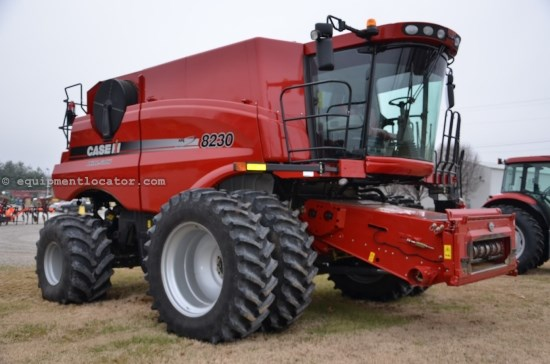 Combine For Sale:  2013 Case IH 8230, 523 Est Hours, 321999.00 USD