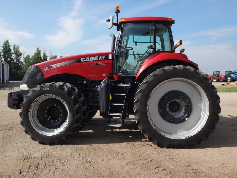 2011 Case IH MAGNUM 290, Creeper Trans, 1000 PTO, 3 Pt Q-Hitch Tractor For Sale