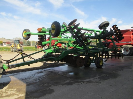 "2005 John Deere 512, 22'6"", 9 Shank, 30"" Spacing Rippers For Sale"