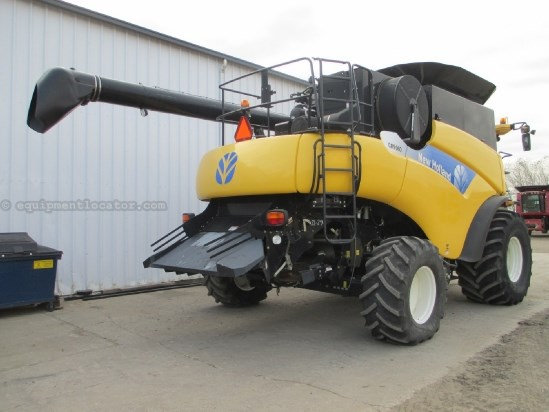 2009 New Holland CR9060, UPTIME READY!, Warranty*, 738 Sep Hrs,  Combine For Sale