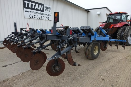DMI 730B, 21 Ft, 9 Shank, Hyd Disc Depth Adj, Disc Lev Disk Ripper For Sale