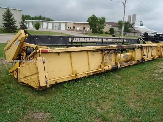 1994 New Holland 973, 30 Ft, TR97/TR98/TR99 Header-Flex For Sale
