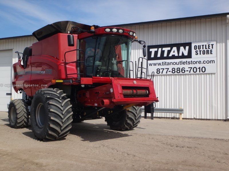 2008 Case IH AFX7010, 1332 Sep Hrs, Dlx Cab, RT, HD Rear Axle Combine For Sale