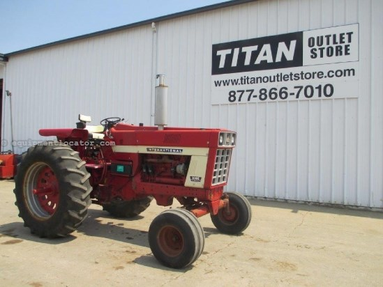 1972 International 1066, 9499 Hr, 3 Remotes, 3 Pt, PS Trans, 125 HP Tractor For Sale