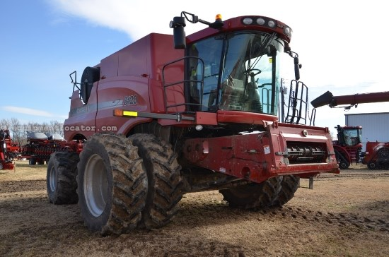 Combine For Sale:  2012 Case IH 8120, 752 Est Hours, 243999.00 USD